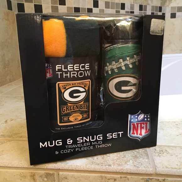 ec90f910 NWT Packers Mug & Snug